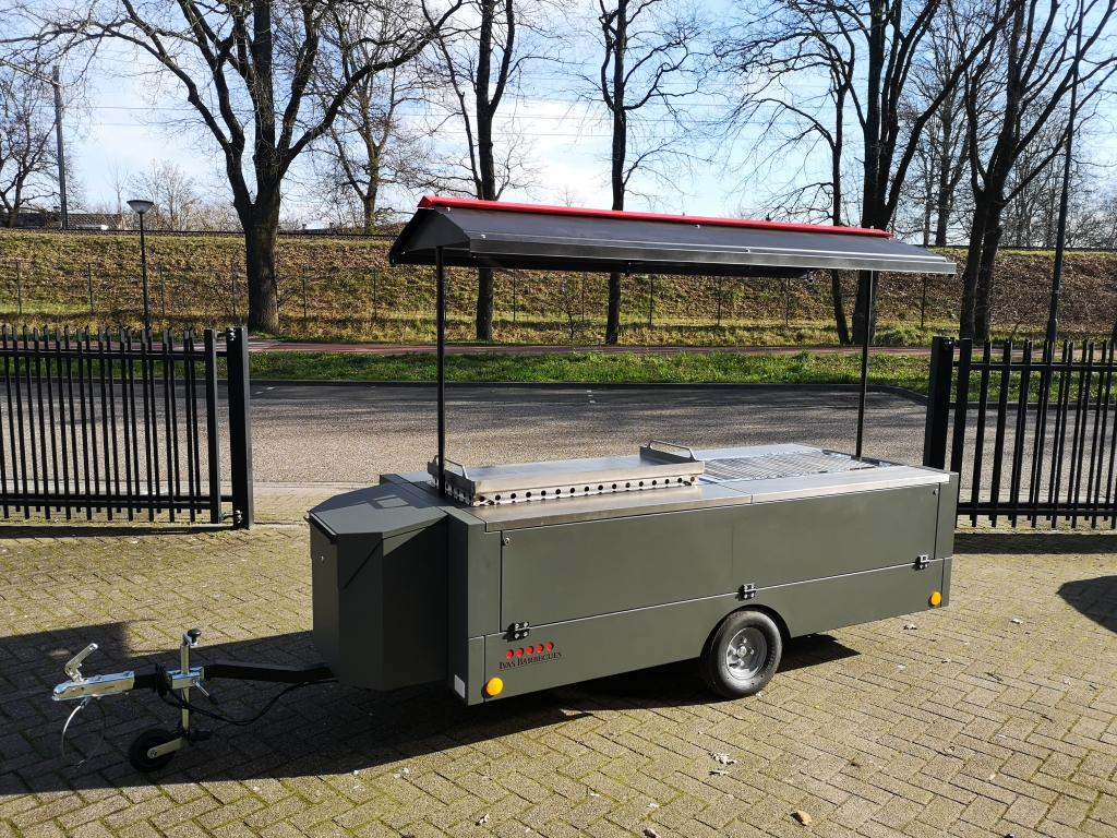 Grand Lux Barbecue aanhangwagen 2 x Europa 3